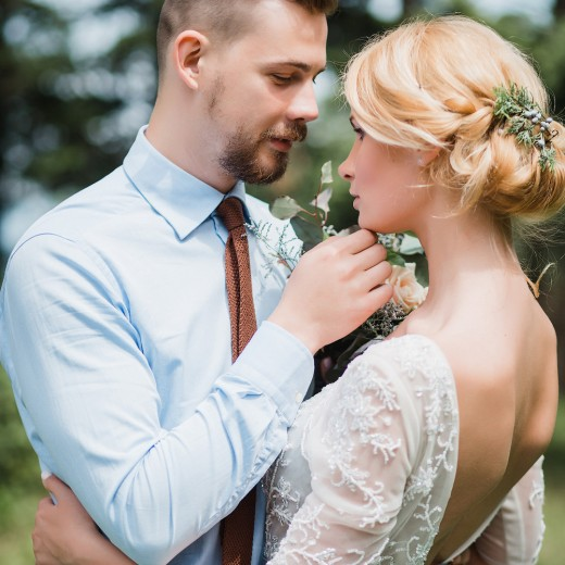 Фотосессия свадебной прогулки в саду, свадебная прогулка с фотографом, ботанический сад пример фотосъемки, места для съемки в ботаническом