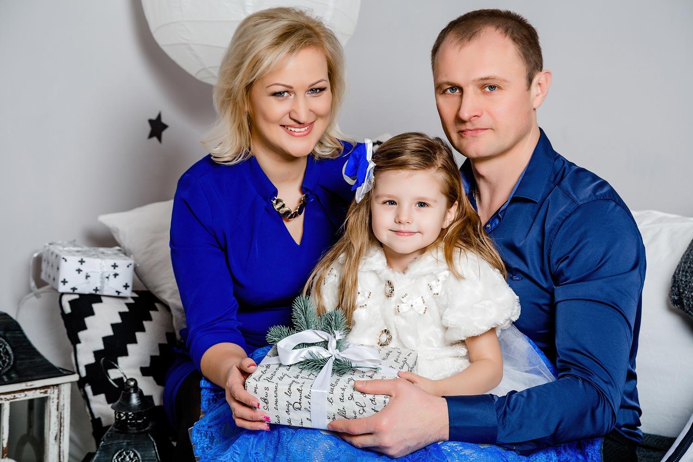 Семейная студийная фотосъемка, семейные фотосессии в Киеве, студийный фотопортрет, новогодние семейные фото сессии киев