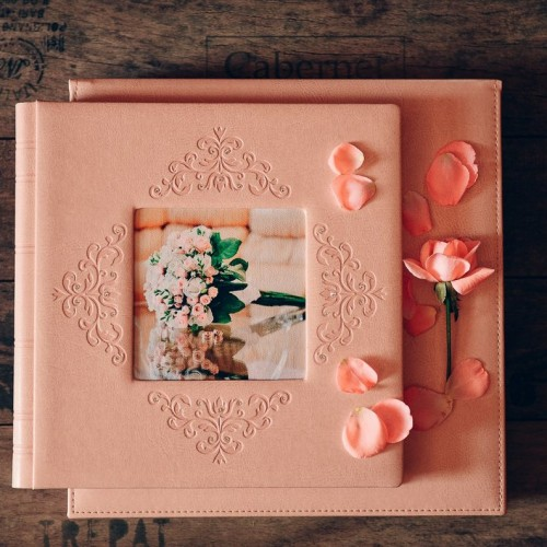 двухцветная обложка фото книги, выбор бумаги фотокниги,фото книга мини-бук, свадебное комплекты фотокниг с мини-буком, обложка фотокниги с теснением, обложка с вышивкой,обложка свадебной книги с металлическим шильдом