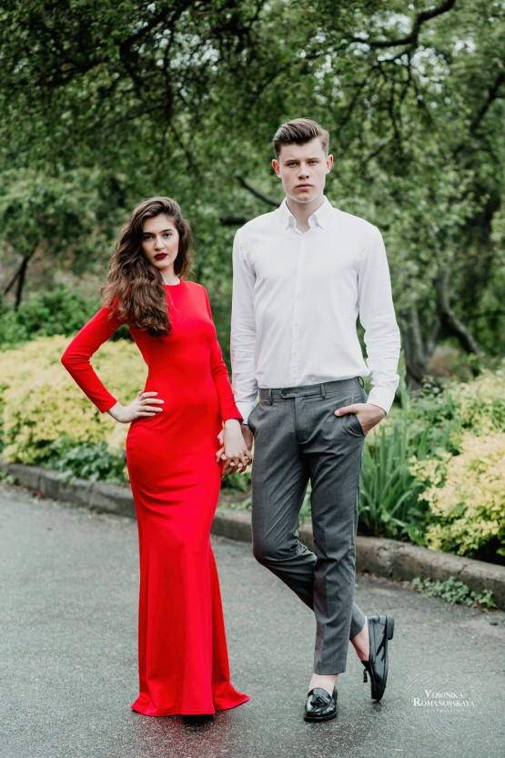 Предсвадебная фотосессия Love Story, фотосъемка влюбленной пары Киев, фотосессия для пары в саду, Ботанический сад места для съемки