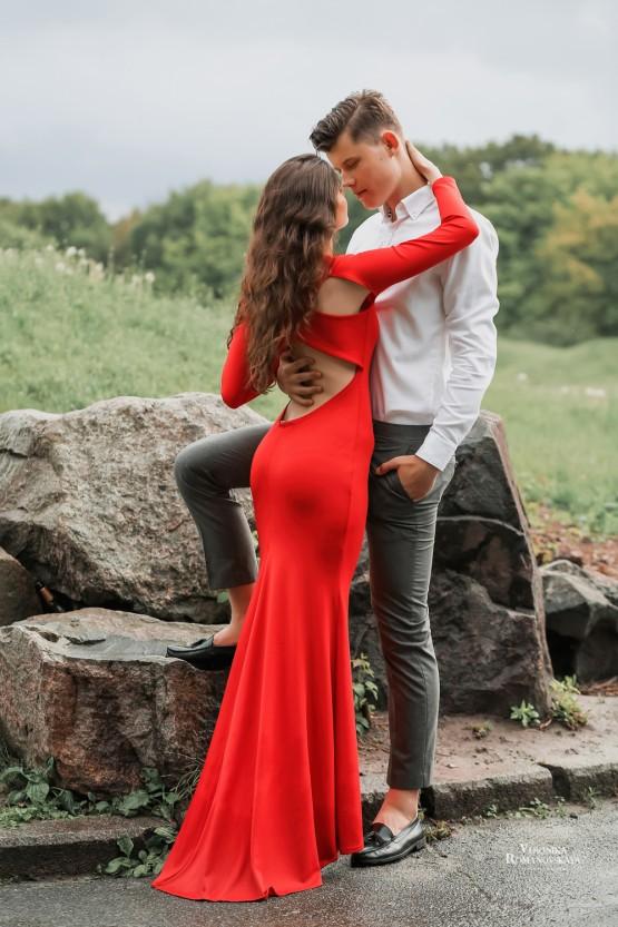 Съемка лав стори Киев, места для красивых фото в Киеве, Съемка love Story в саду, портретная фотосессия Киев, съемка портфолио в Киеве