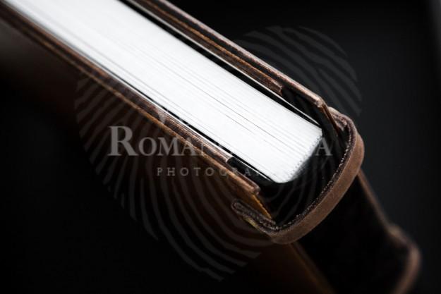 Фотокнига в деревянной обложке, изготовление премиум фотокниг в Киеве, деревянная фото книга с кожаным переплетом,подарочный короб для фотокниги